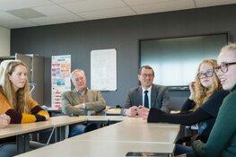 Wethouder Maarten Offinga bezoekt winnaars Waste Battle